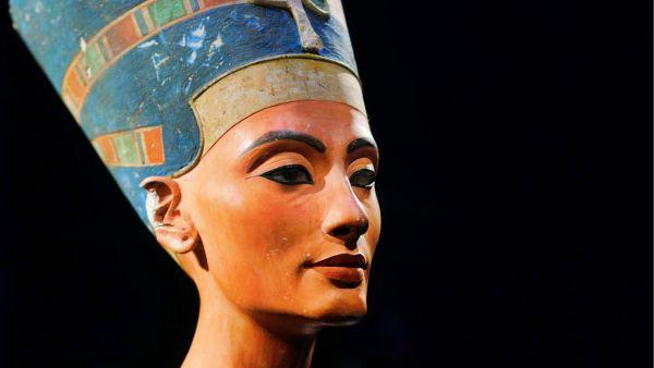 Nefertiti vuelve al Neues Museum 70 años después