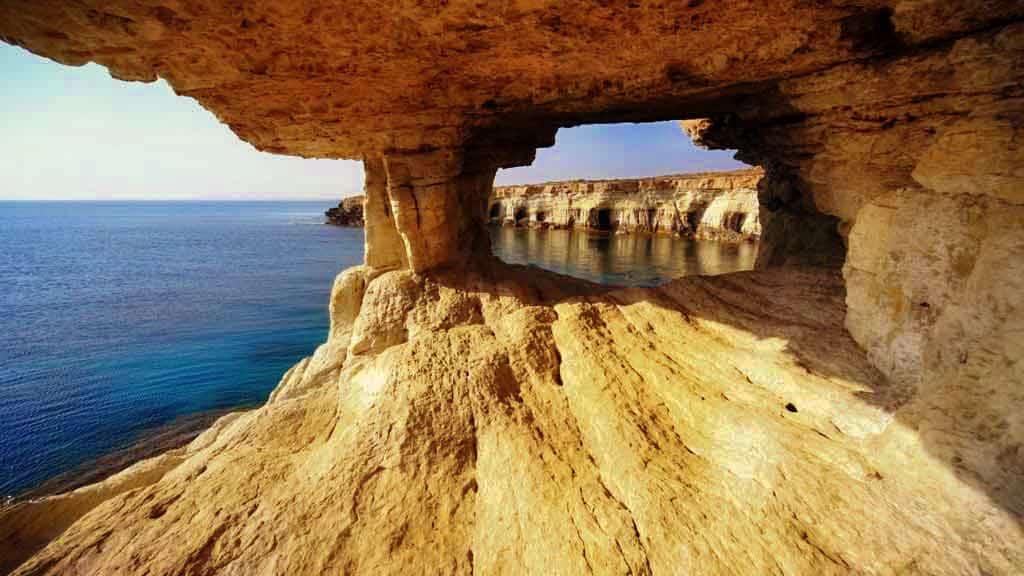 Isla de Chipre — Turismo Místico en el Mediterráneo