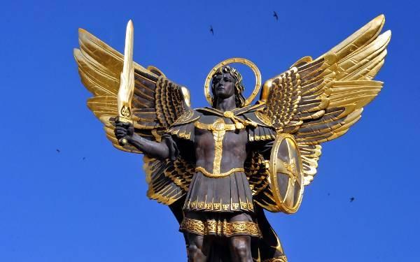 Oración para conseguir empleo con el Arcángel Miguel