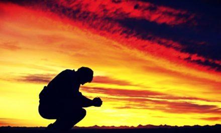 A Dios rogando … pero con el mazo dando