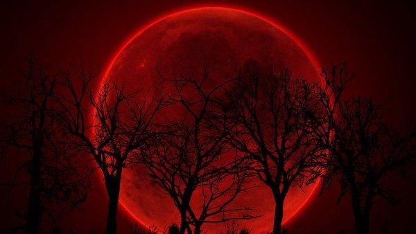 Lunas de sangre en la historia judía