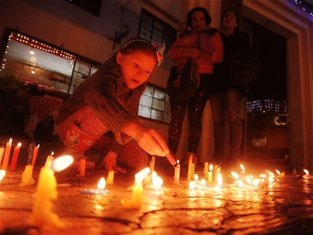 Día de las Velitas o La Noche de las Velitas — Colombia