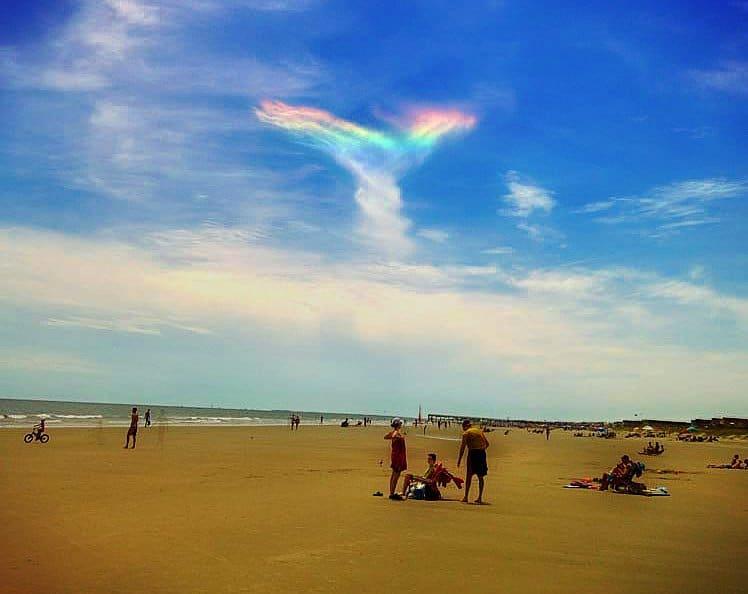 Espléndido arcoíris de fuego iluminó el cielo de Carolina del Sur