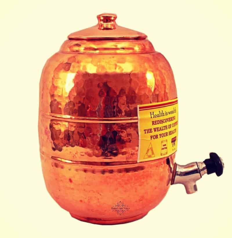 Beneficios de beber agua de un recipiente de cobre