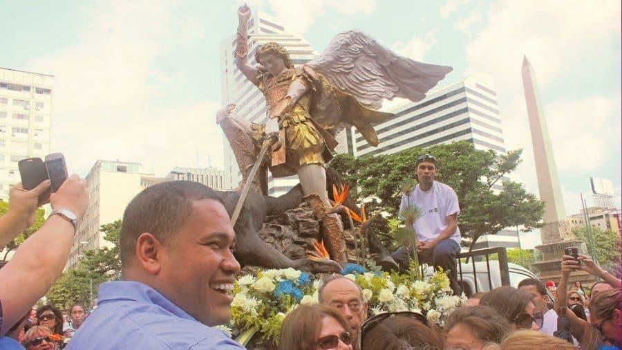 Gran Procesión de San Miguel Arcángel en Caracas