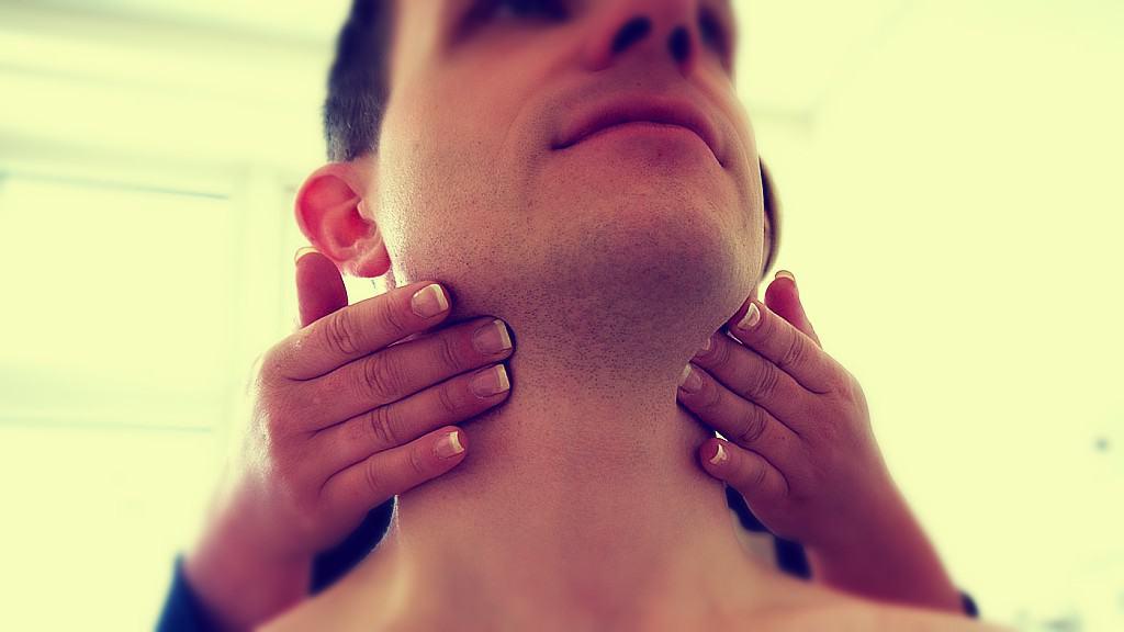 Remedios naturales para las glándulas inflamadas en el cuello