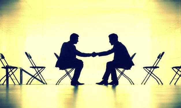 Dios en los Negocios — Mira a Dios en ambos lados de la mesa