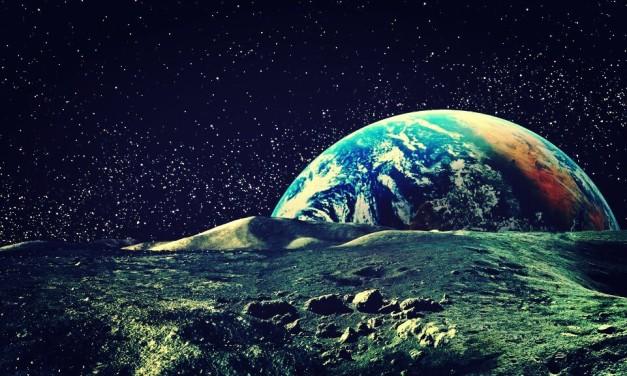 La Luna se aleja de la Tierra