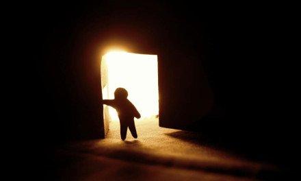 Una puerta cerrada a veces, es un muro que derribar