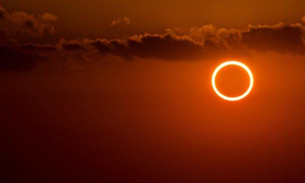 Eclipse que formará un anillo de fuego