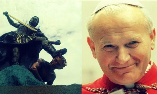 San Juan Pablo II y la oración a San Miguel Arcángel