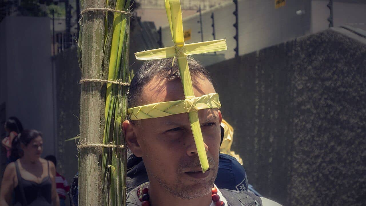 Tradiciones y Mitos Asociados a la Semana Santa